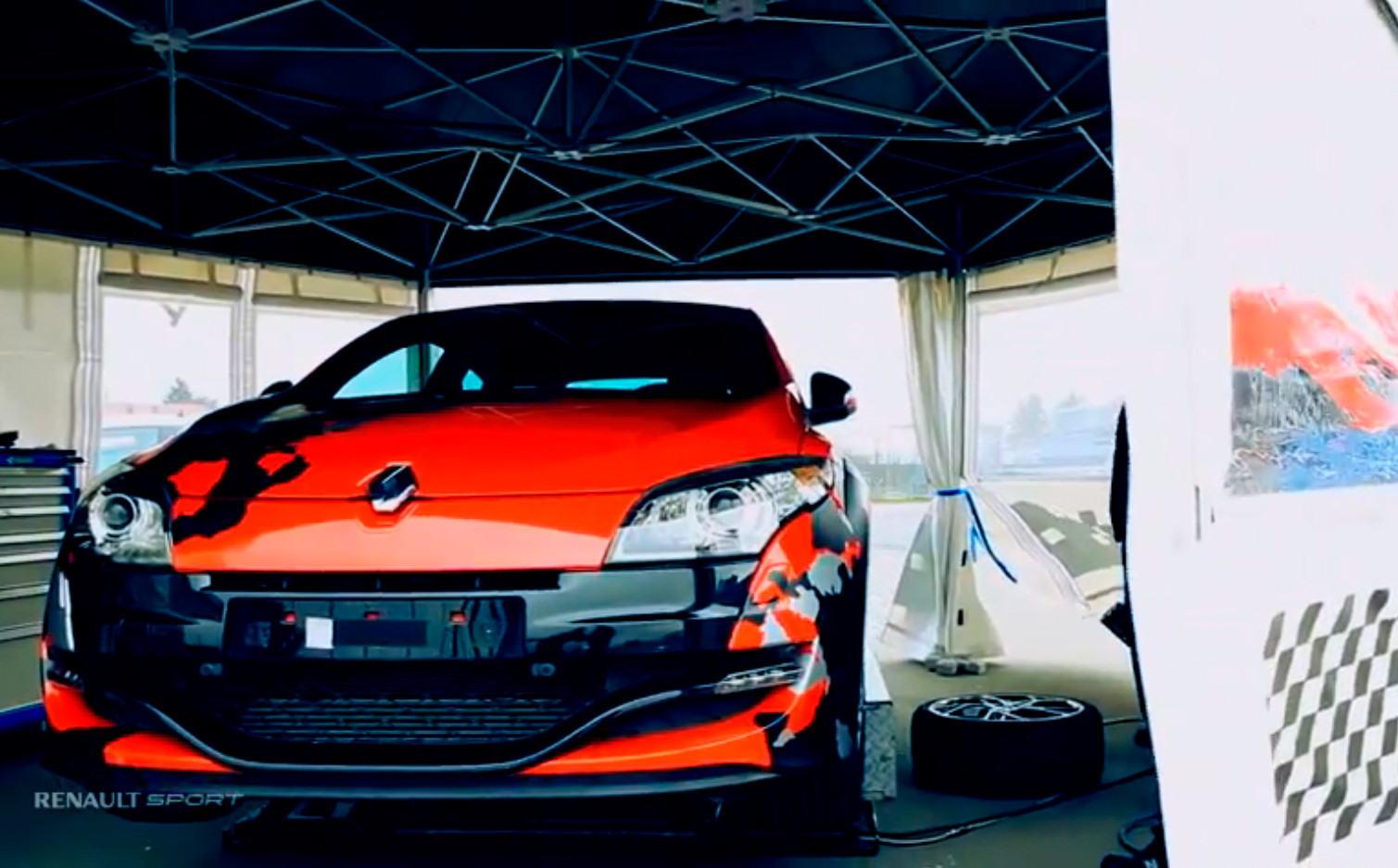 renault teases faster megane rs could it be the new r26 r autoevolution. Black Bedroom Furniture Sets. Home Design Ideas