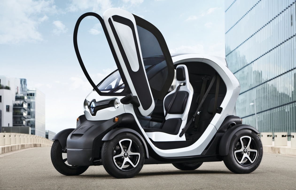 14 year olds can now drive a renault twizy 45 ev. Black Bedroom Furniture Sets. Home Design Ideas