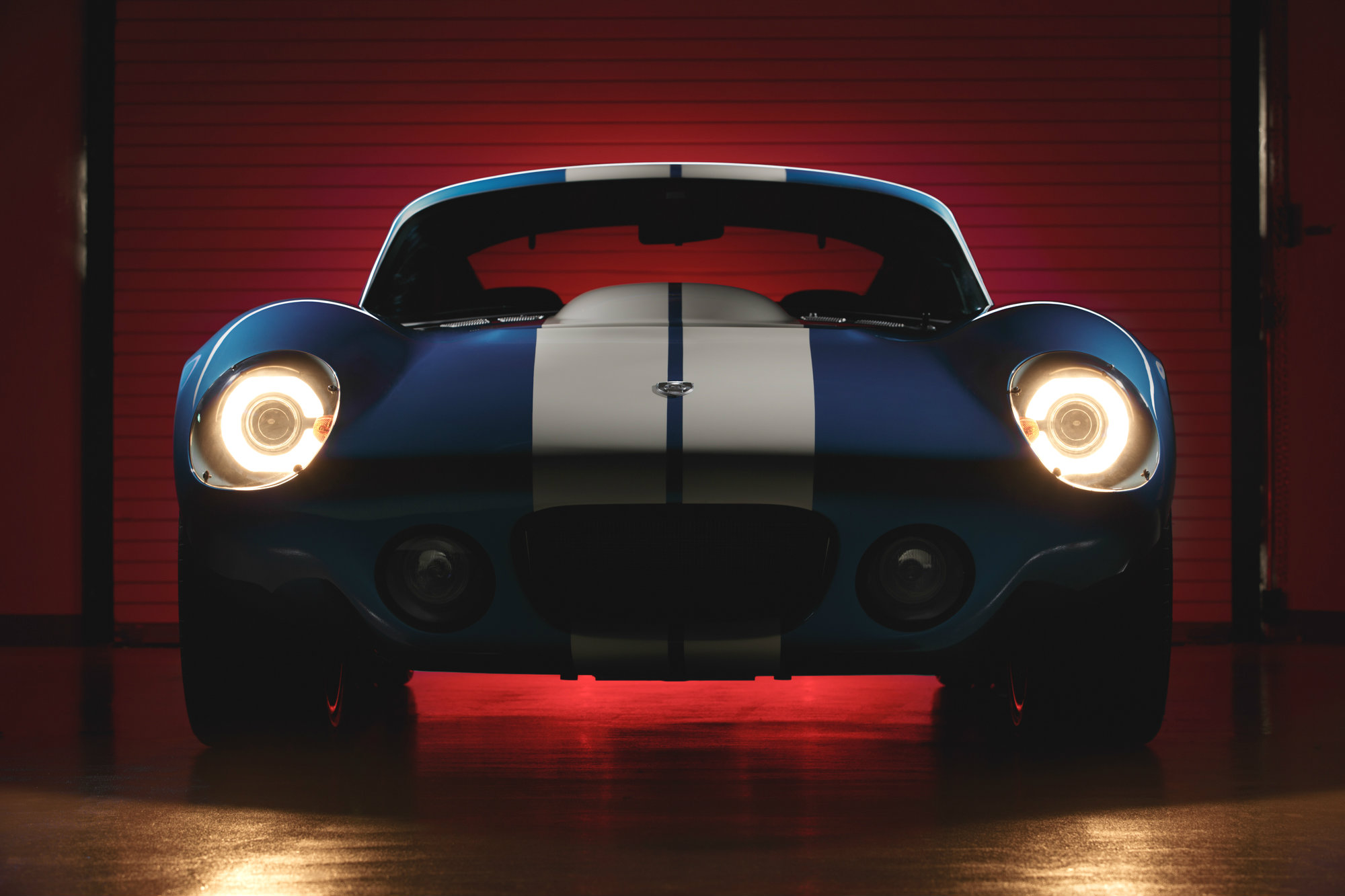 11 Photos Renovo Coupe