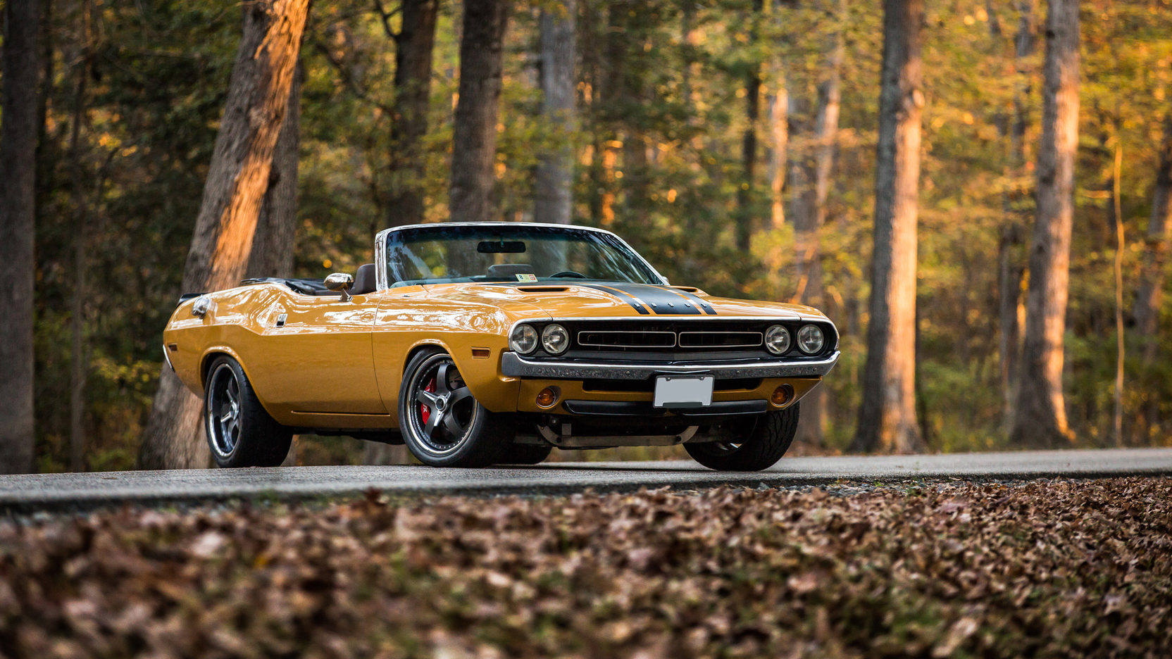 Dodge Challenger Restomod Packs 572 Cubic Inches Of Hemi