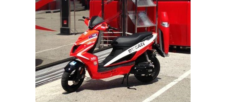 Rieju RS50LC Sport Is the Official MotoGP Ducati Scooter - autoevolution