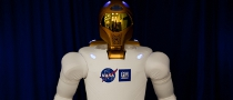 Robonaut 2 Flies to Outer Space
