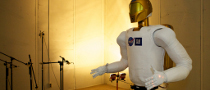 Robonaut 2 Gets in Shape for 1st Space Flight