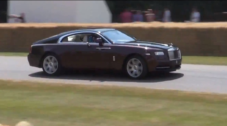 Rolls-Royce Wraith Does Awesome Flybys at Goodwood 2013 [Video]