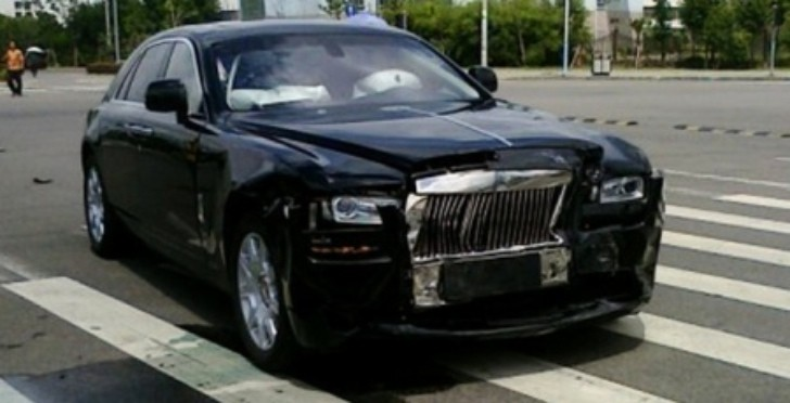Rolls-Royce Ghost Crash in China