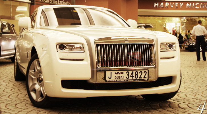 Rolls Royce Ghost - Luxury from the Old Days