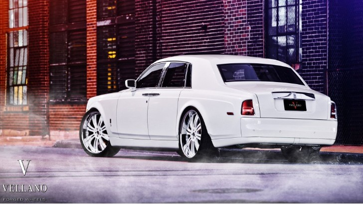 Rolls Royce Phantom Rides on 26-inch Vellano Wheels