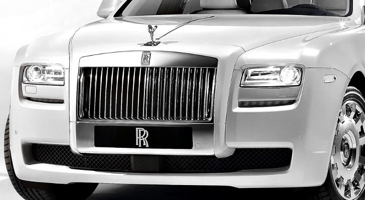 Rolls-Royce Teases Paris-Bound Art Deco-Inspired Cars
