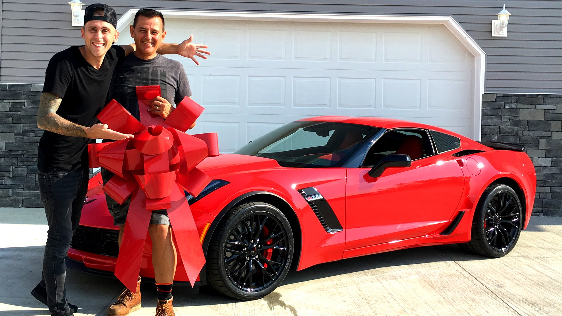 Roman atwood buys a corvette z06 for his father 39 s birthday autoevolution