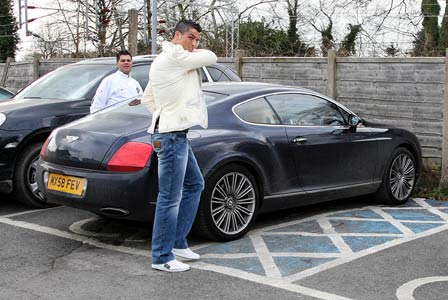 Ronaldo Sold His Bentley And Mercedes Autoevolution