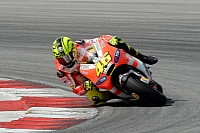 Valentino Rossi says he wants to get the support of Italian fans by winning races