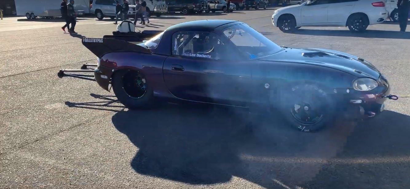 Rotary-Powered Mazda Miata Drag Racer Looks Like a Batmobile