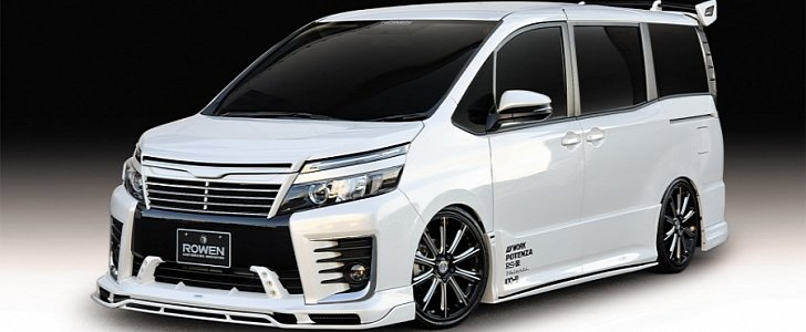 Rowen's Impression Of A Badass Toyota Voxy Resembles An