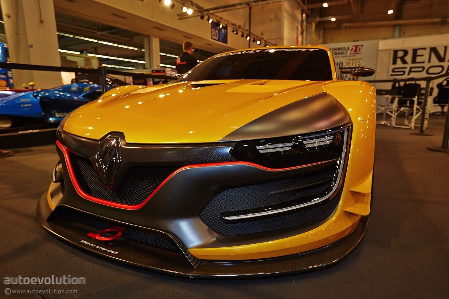 r s 01 race car shows what a 500 hp renault looks like in essen live photos autoevolution. Black Bedroom Furniture Sets. Home Design Ideas