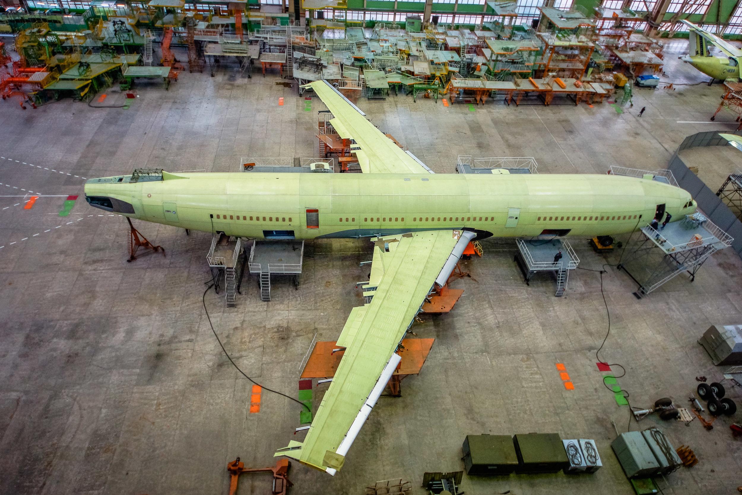 Il-96-400M under construction