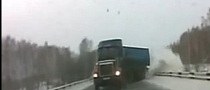 Jackknifing Truck Near Crash in Russia is Extreme [Video]