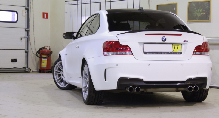 Russian BMW 1M in Matte White