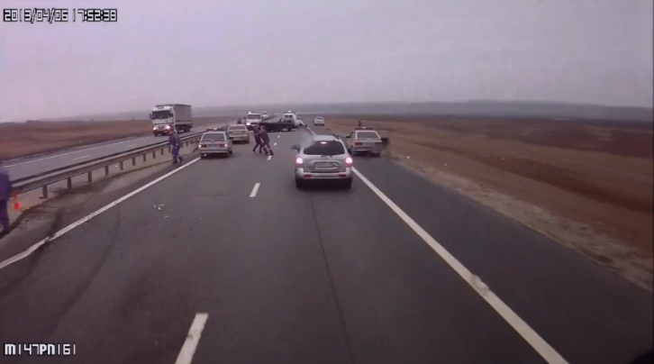 Russian Truck Driver Creates Panic on Highway [Video]