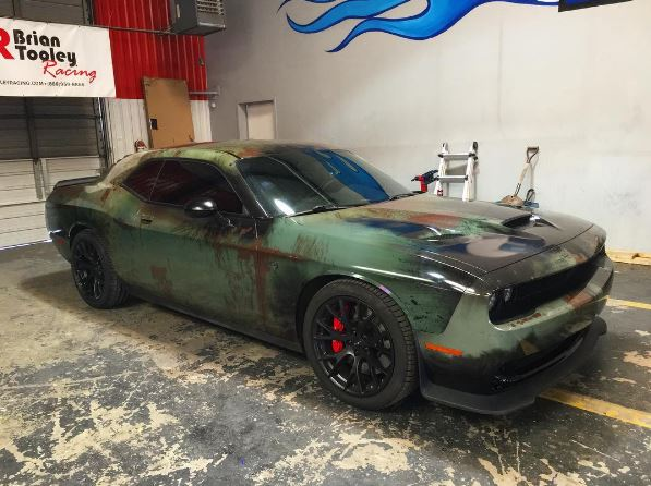 Girl Gives Her Dodge Challenger Hellcat A Rusty Wrap For A 707 Hp