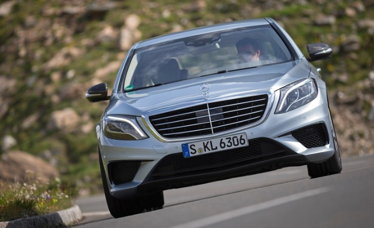 S 63 AMG 4Matic Reviewed by Road&Track [Photo Gallery]