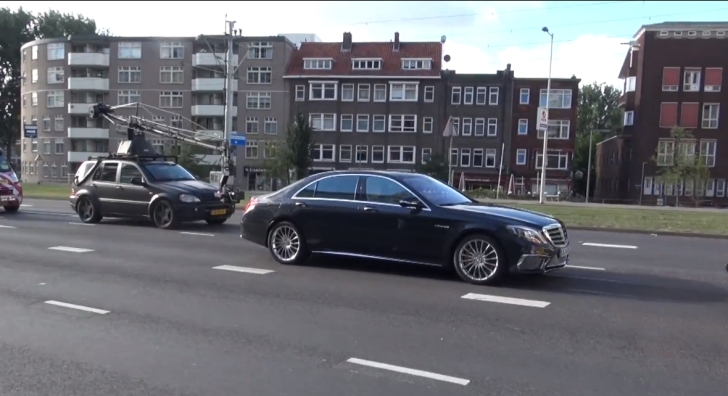 S 65 AMG W222 Caught Completely Uncovered During Filming Session [Video]