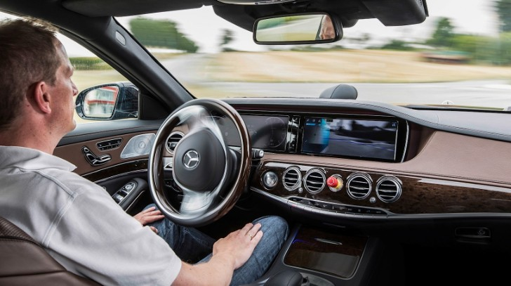 S-Class Drives Completely Autonomously Bertha Benz's Memorial Route [Video]