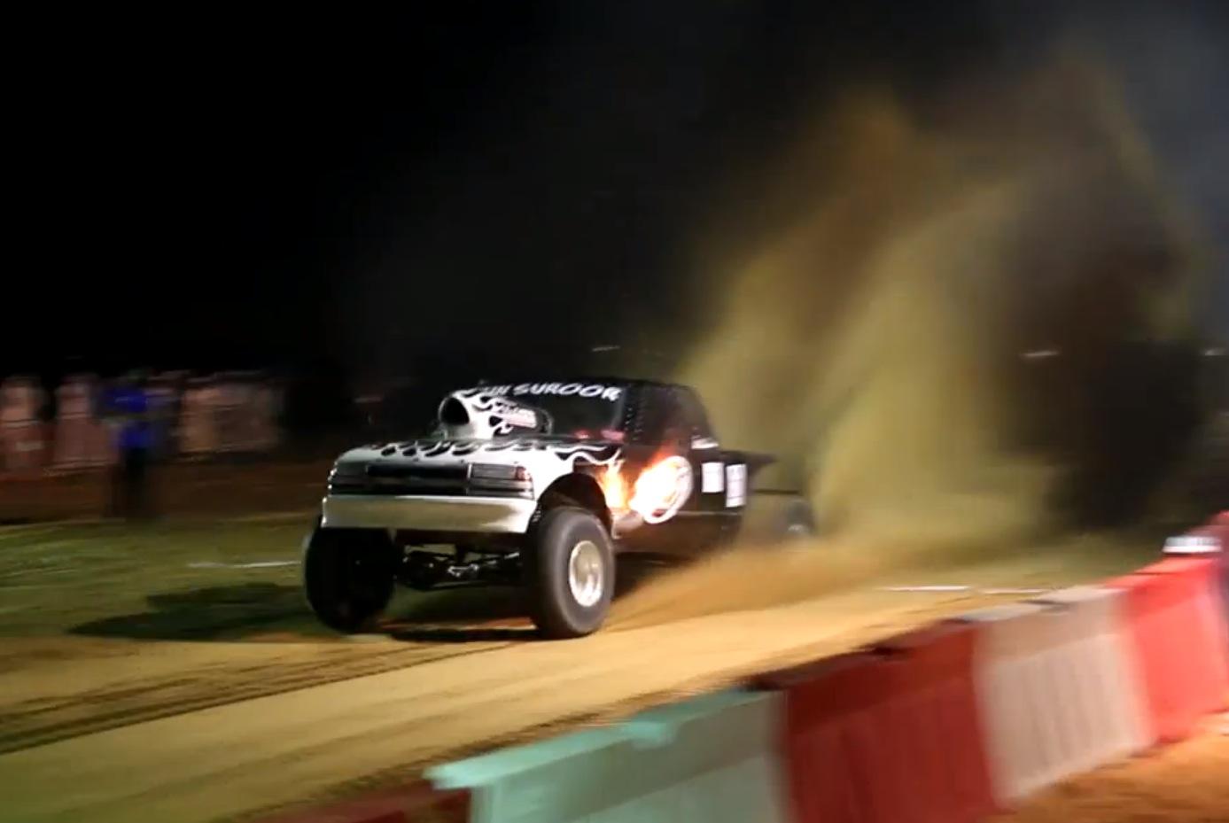 Sand Drag Racing in UAE Looks Extreme - autoevolution