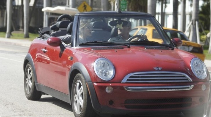 Sara Jessica Parker in a Red MINI