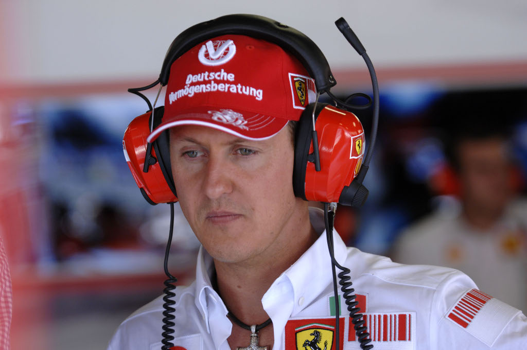 Schumacher to attend italian gp in ferrari garage for Garage schumacher metz