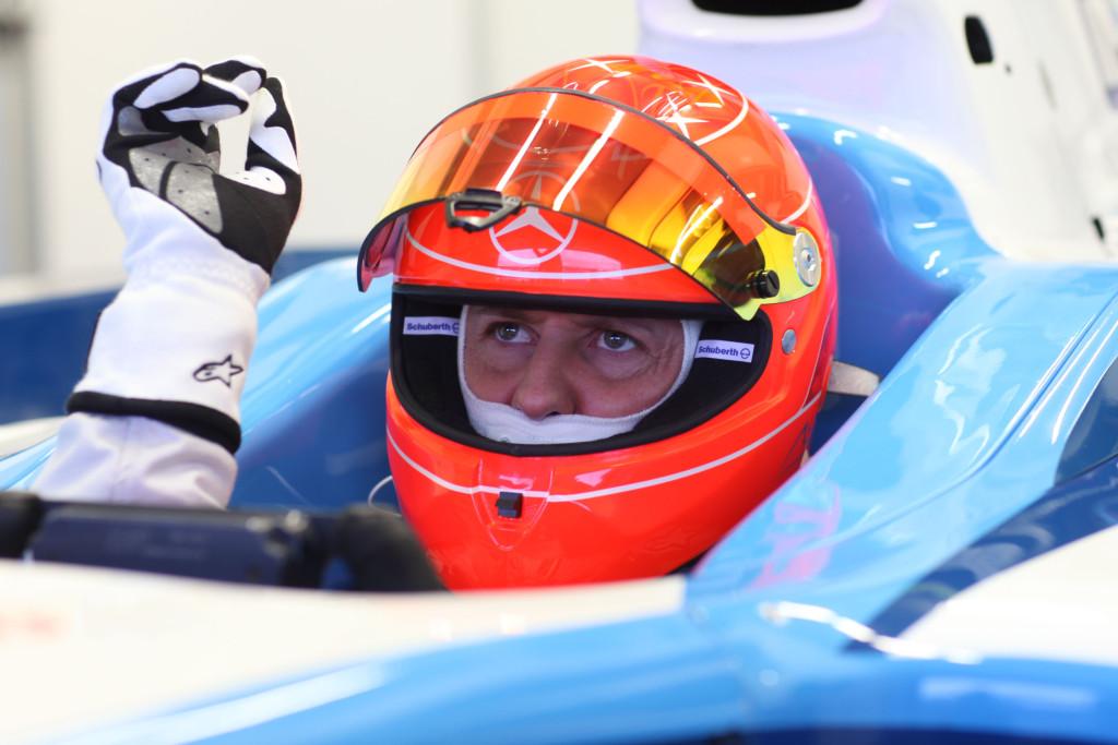 Schumacher To Change Helmet Design In 2010 Autoevolution