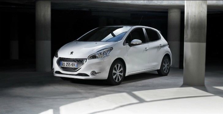 scoop new peugeot 208 gt coming in 2015 as 5 door warm hatch autoevolution. Black Bedroom Furniture Sets. Home Design Ideas