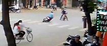 Scooter Bowling in Vietnam [Video]