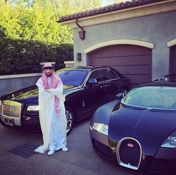 Scott Disick Dresses As An Arab Prince, Brags About His