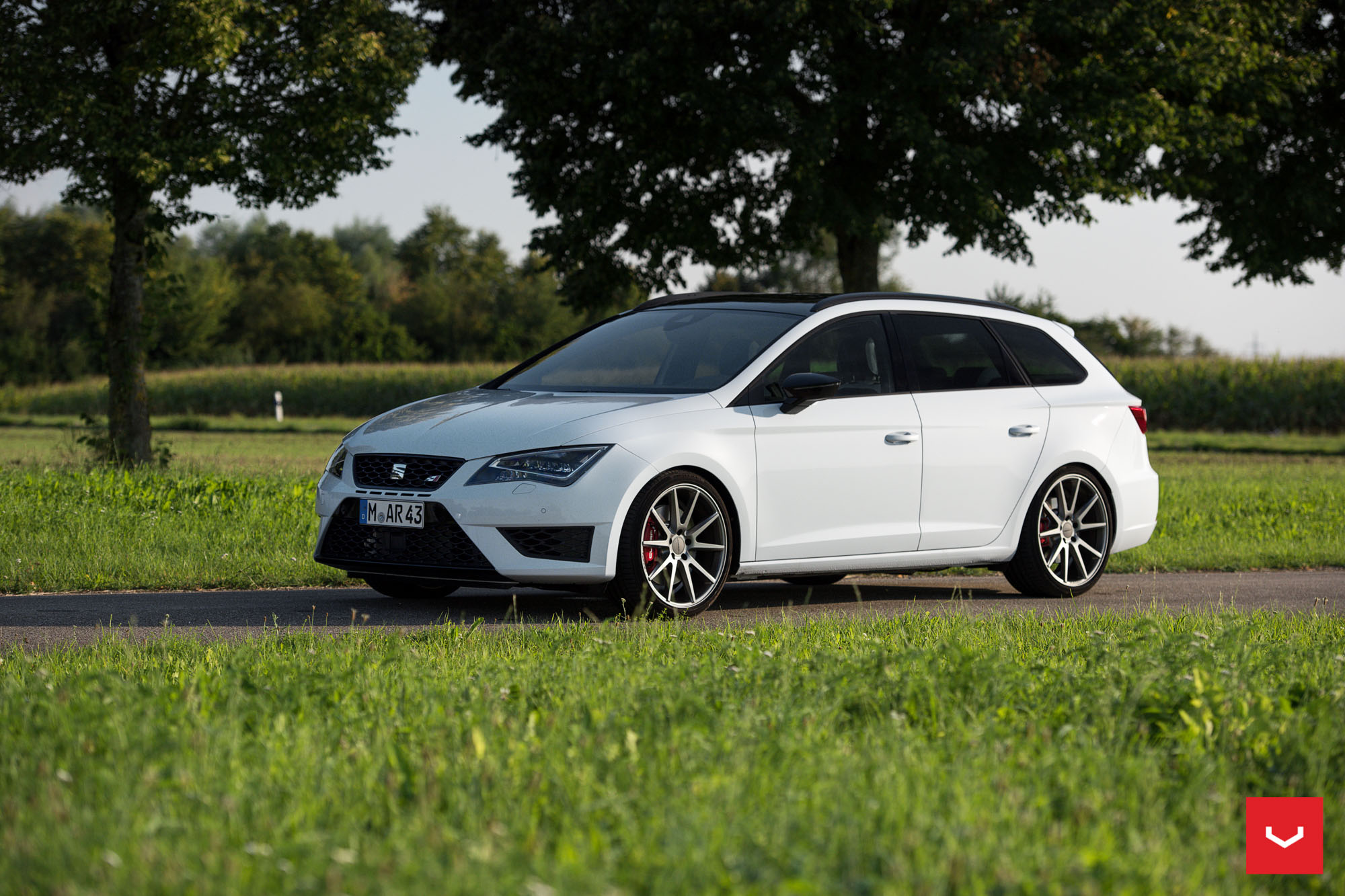 seat leon cupra st on vossen wheels is light tuning for