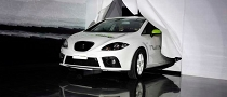 SEAT Presents Hybrid Leon to Spanish Government