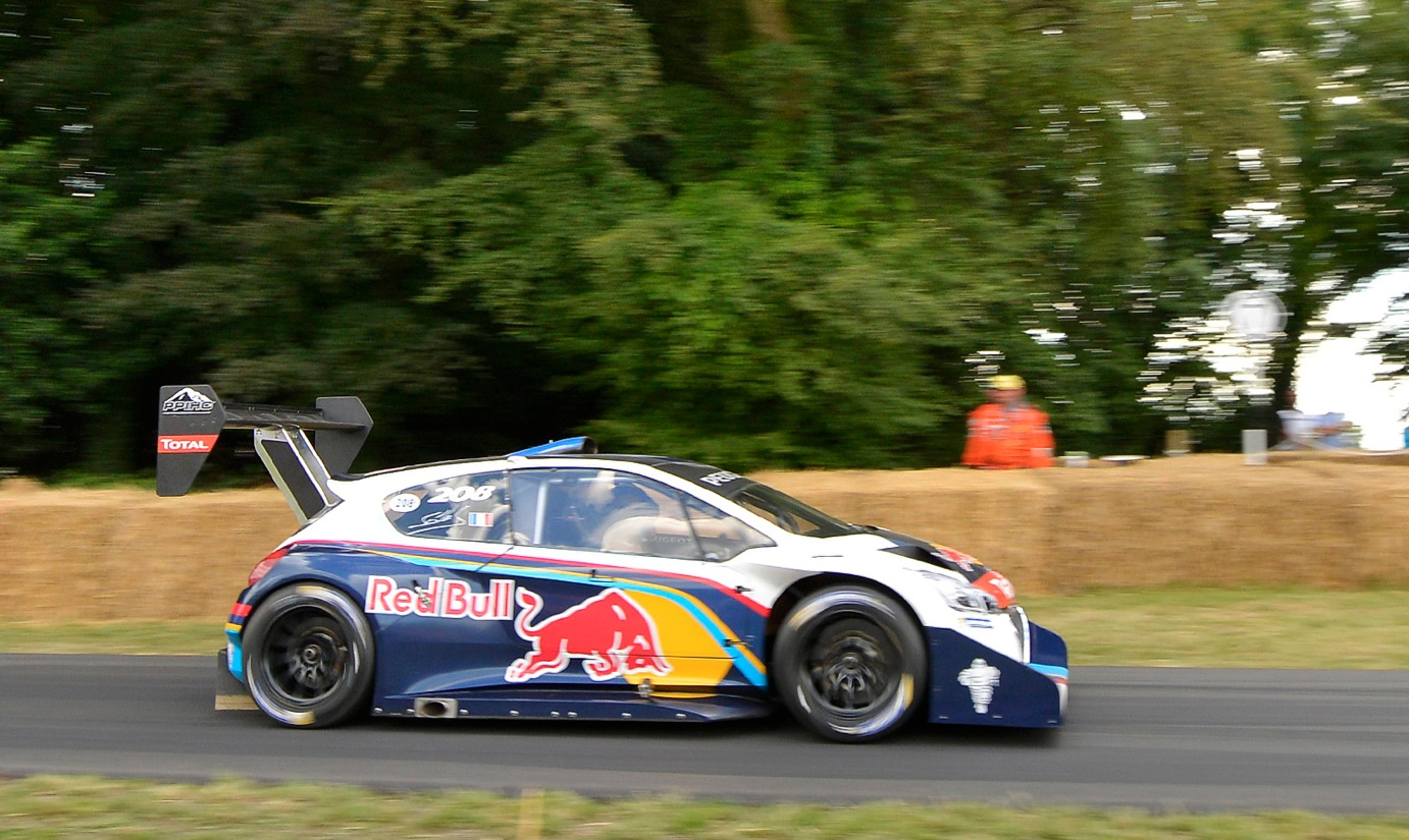sebastien loeb is the fastest at goodwood 2014 in pikes peak peugeot 208 autoevolution. Black Bedroom Furniture Sets. Home Design Ideas