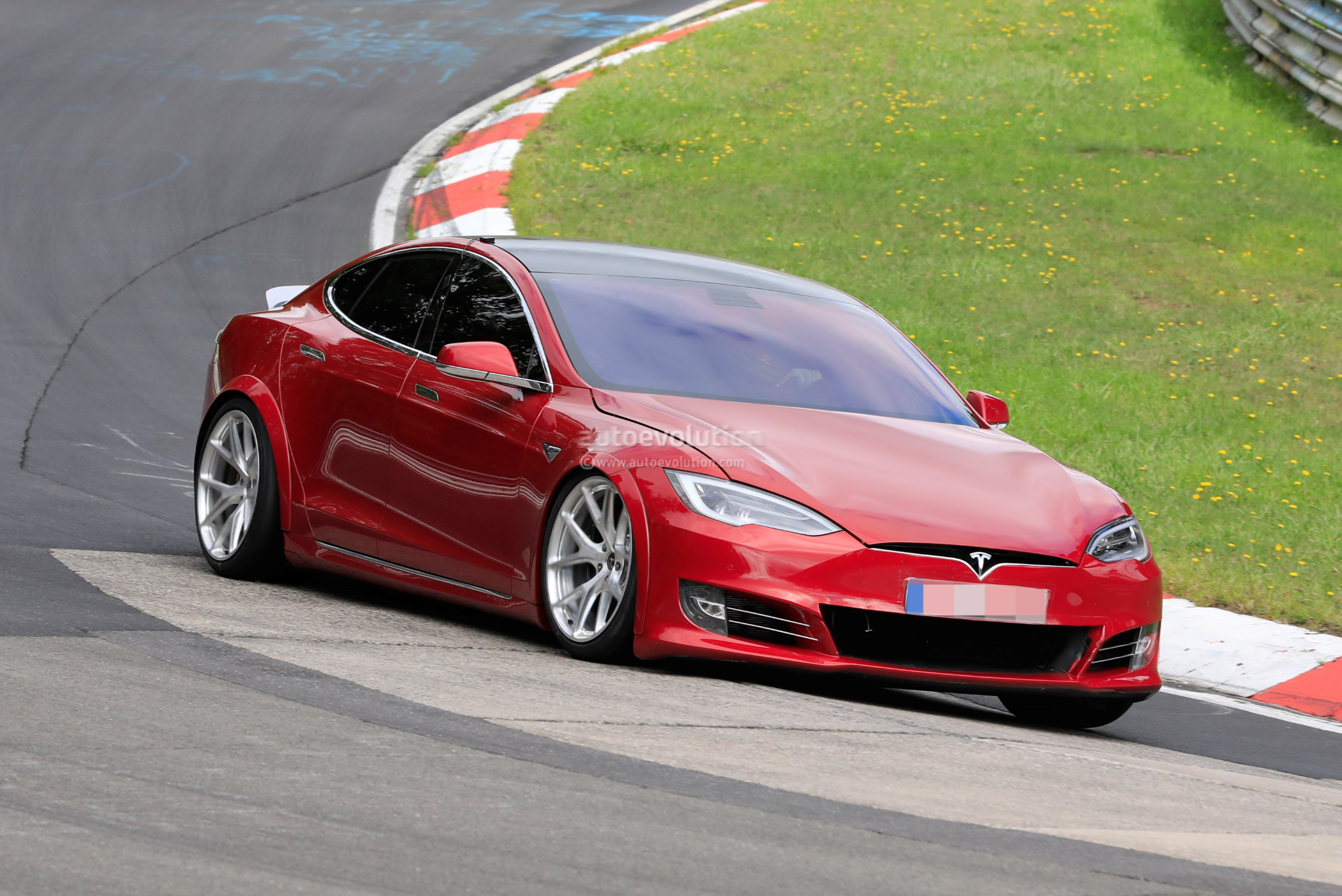 sevenseater 2020 tesla model s spied at the nurburgring