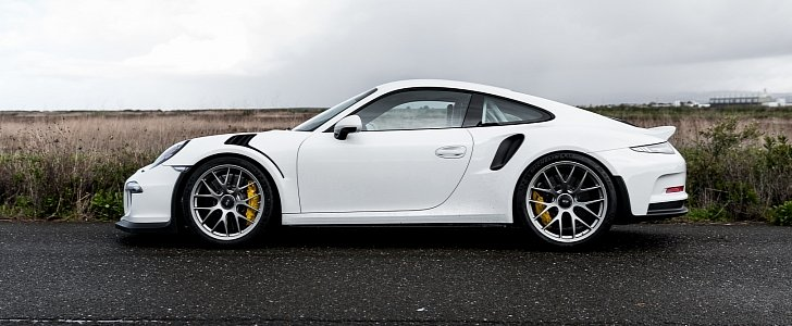 shaved porsche 911 gt3 rs with bbs wheels has a roll cage that looks like a maze autoevolution. Black Bedroom Furniture Sets. Home Design Ideas