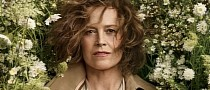 Sigourney Weaver Trained With Elite Military Divers for Avatar Underwater Stunts
