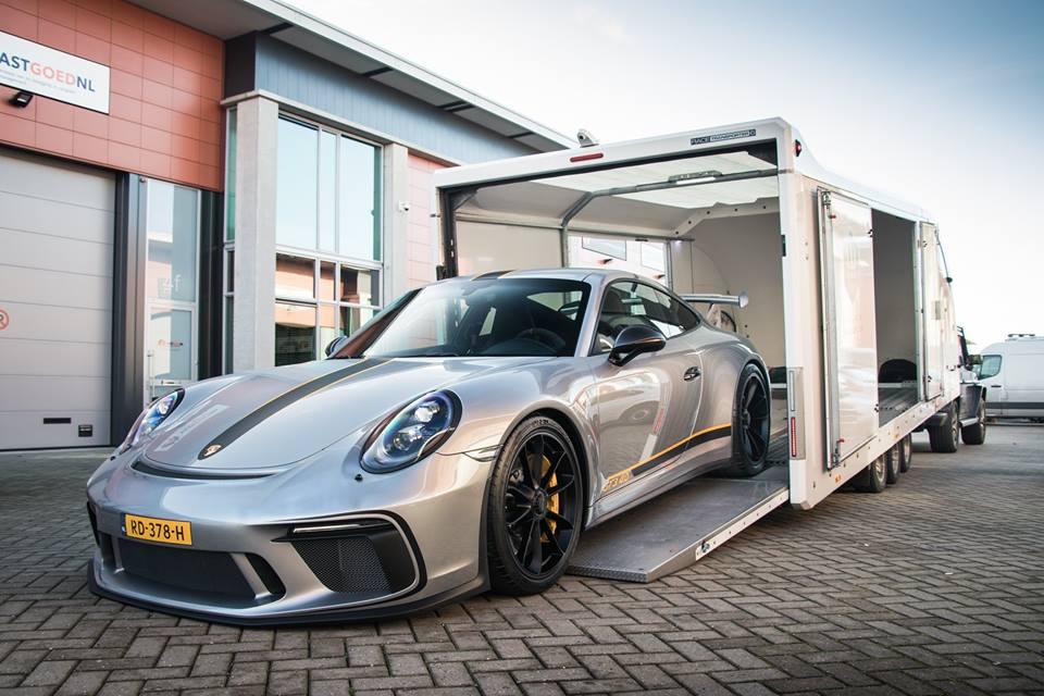 Silver 2018 Porsche 911 Gt3 Gets Wasp Sticker Package Autoevolution