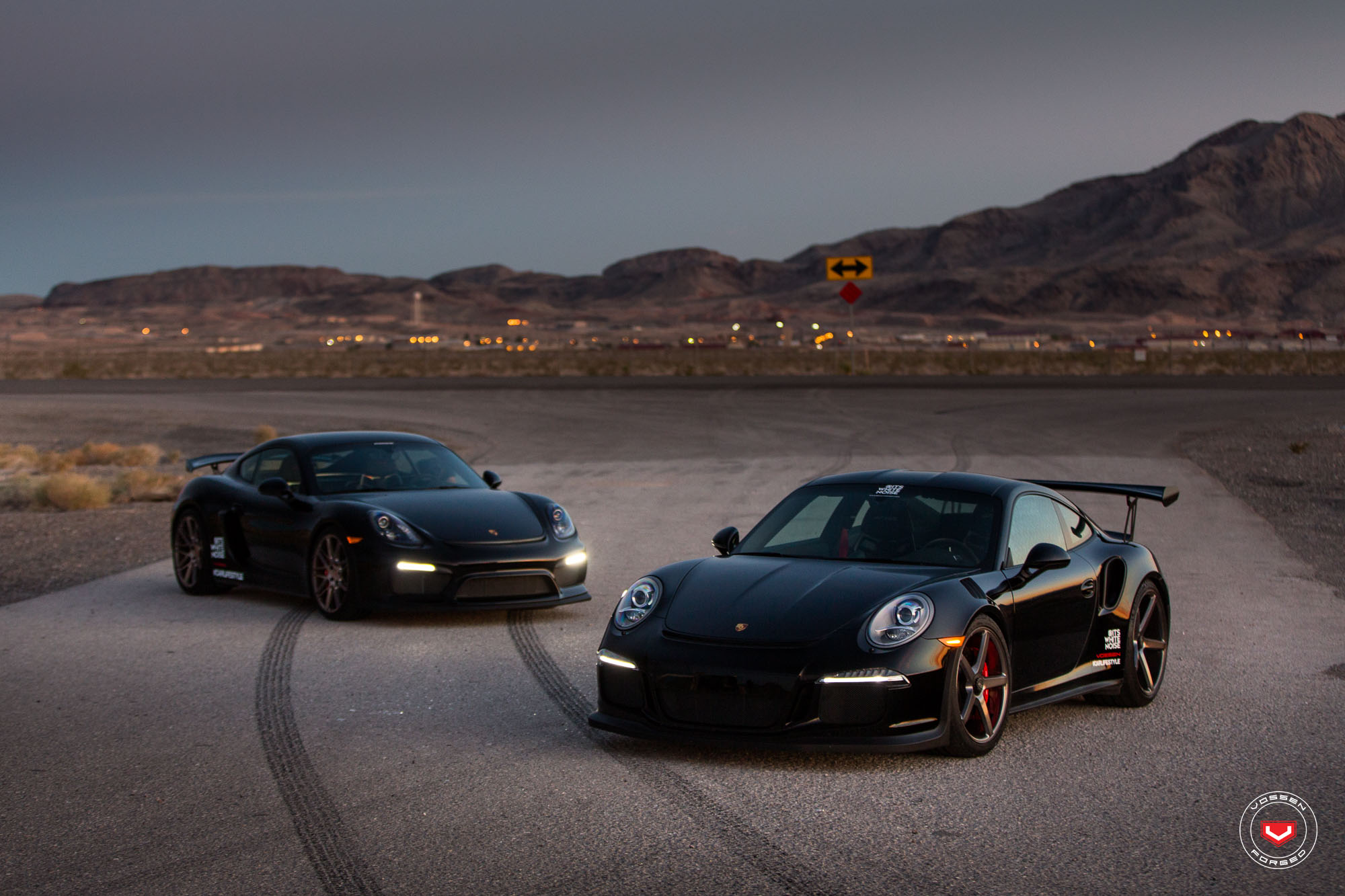 sith twins porsche 911 gt3 rs and cayman gt4 on vossen wheels autoevolution. Black Bedroom Furniture Sets. Home Design Ideas