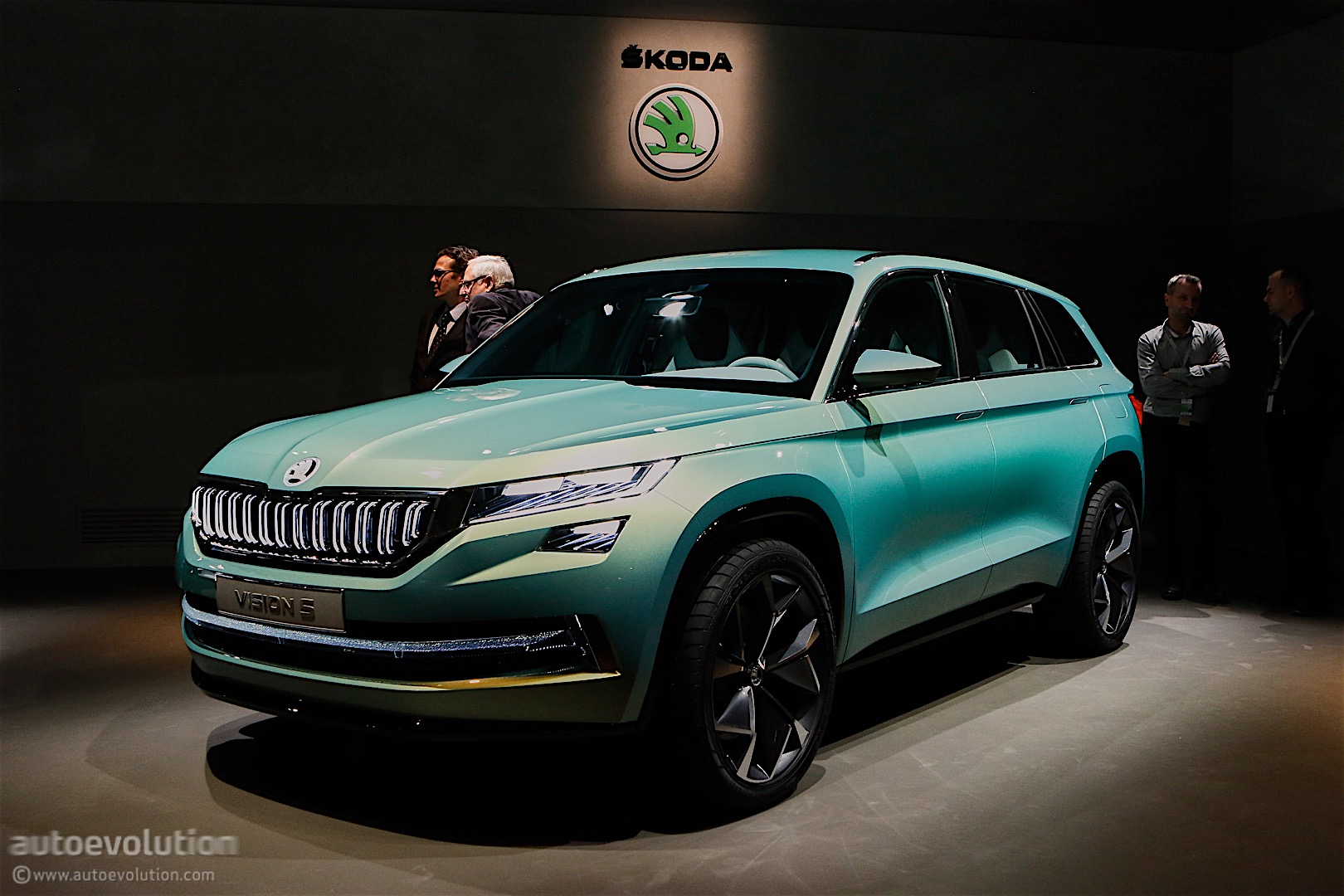 Skoda VisionS Concept Shows Us the First Big SUV from the ...