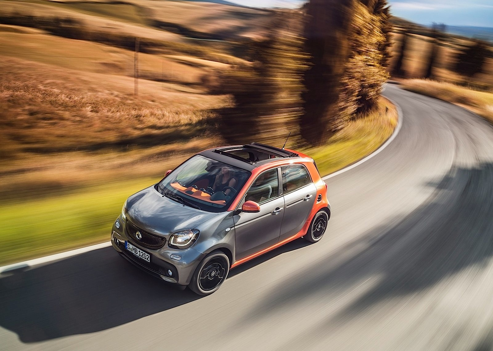 smart set to launch electric fortwo and forfour models. Black Bedroom Furniture Sets. Home Design Ideas