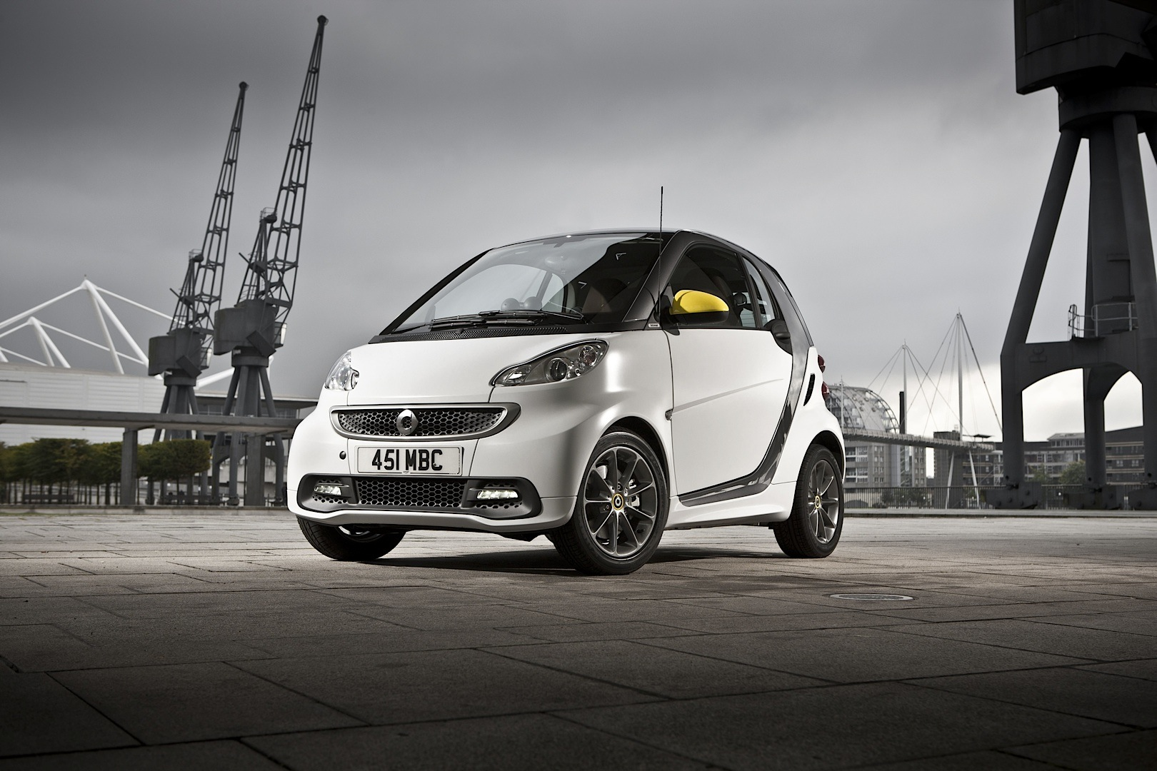 Smart fortwo boconcept edition launched in the uk for Bo concept