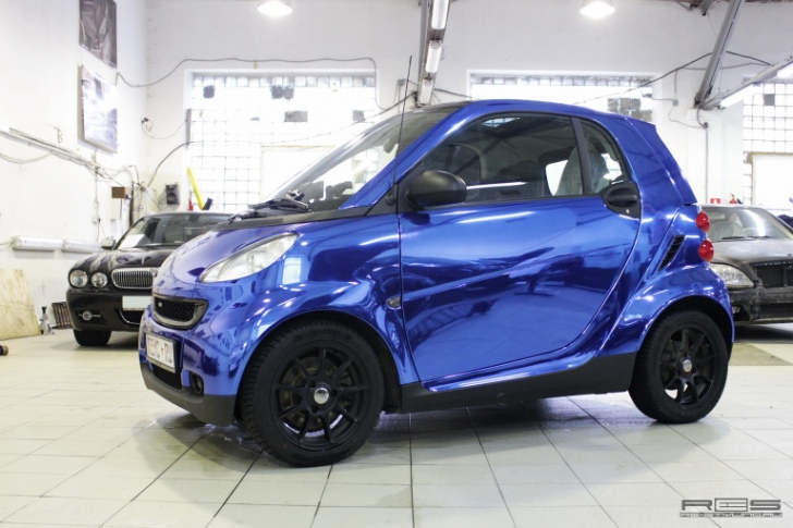 Smart Gets Blue Chrome Wrap [Photo Gallery]