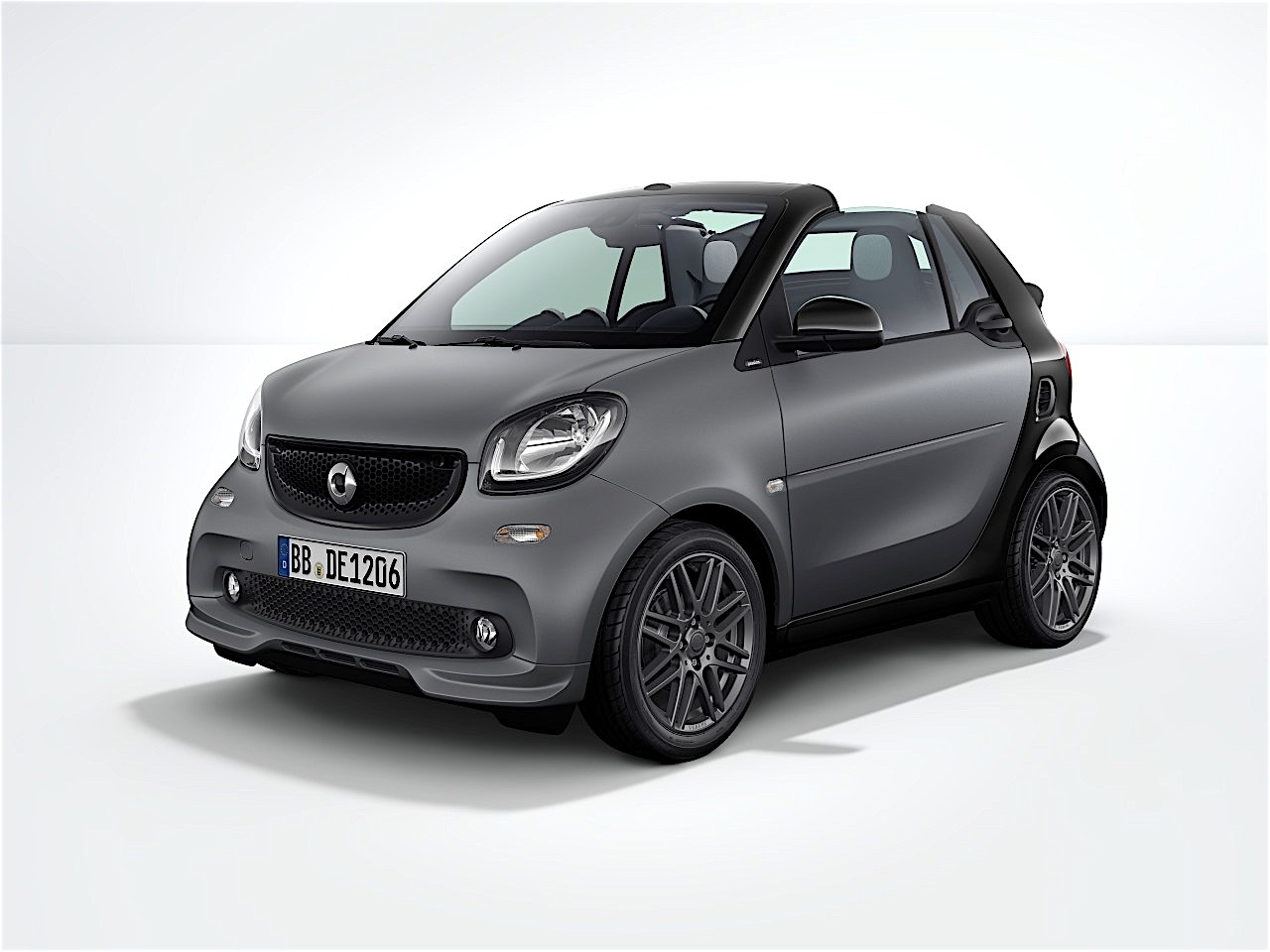 2017 smart fortwo gets brabus sport package for u s. Black Bedroom Furniture Sets. Home Design Ideas