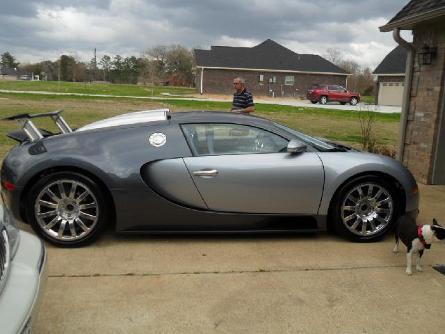 soaking bugatti veyron for sale for 1 5 million autoevolution. Black Bedroom Furniture Sets. Home Design Ideas