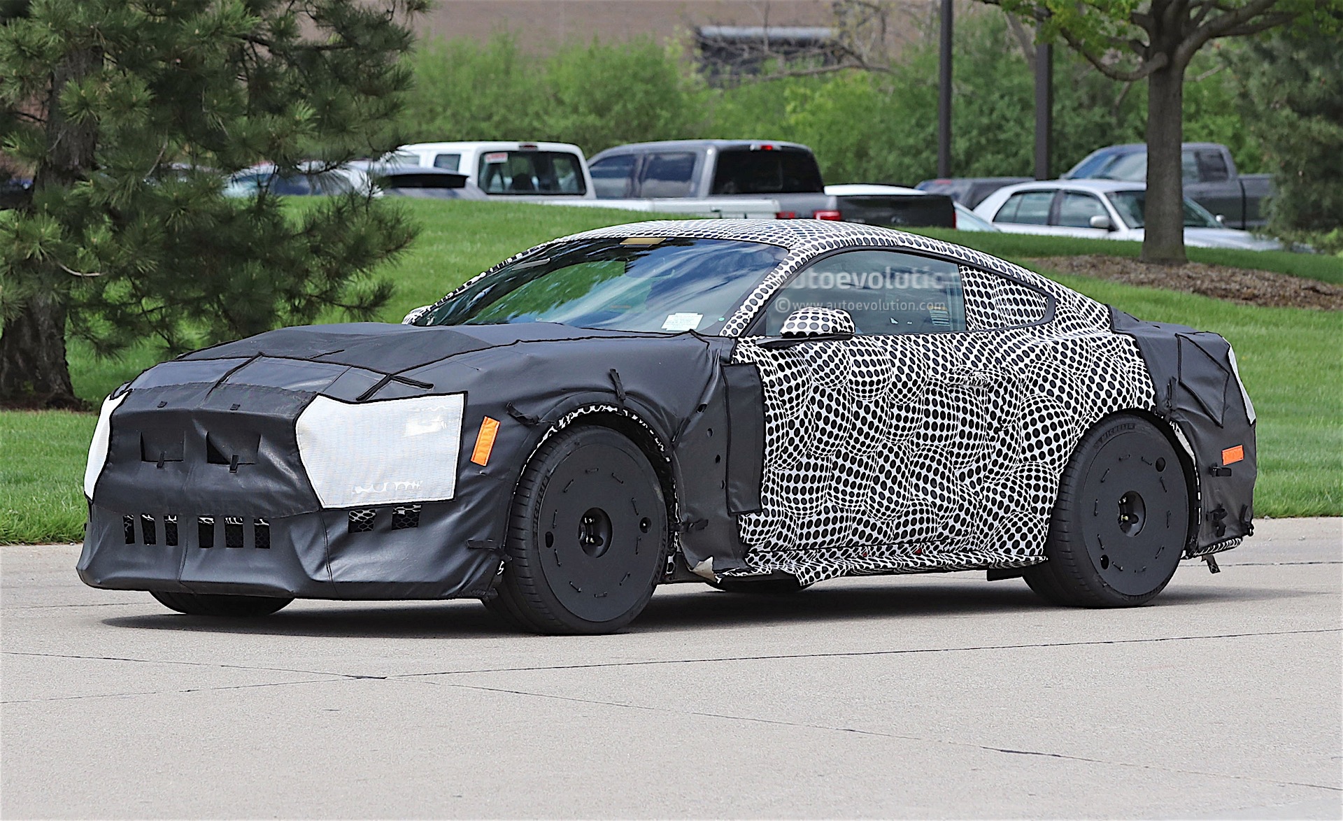 2019 ford mustang gt500 spied in detroit with massive tires