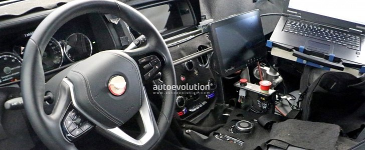 Spied 2019 Rolls Royce Cullinan Interior Has A Phantom Like Center Console Autoevolution