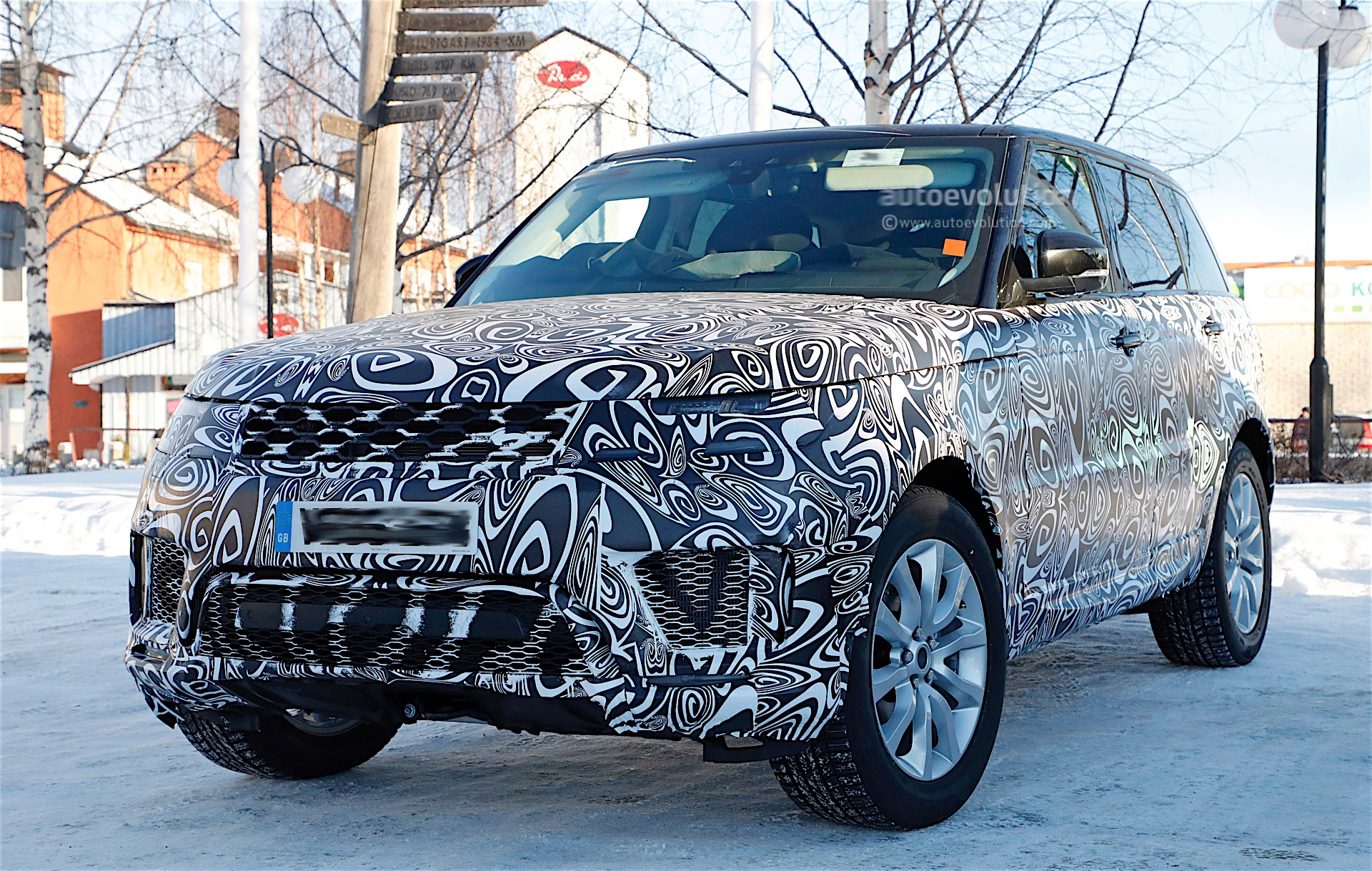 2018 Range Rover Sport Plug In Hybrid Spied Looks Diffe Than Regular Model